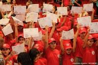 70 formandos recebem certificados do projeto Bombeiros do Futuro em Barra