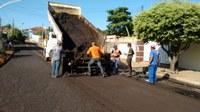 Ação de Tapa buracos e recapeamento continua sendo realizada em Barra do Garças