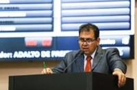 Adalto de Freitas quer instituir programa de inclusão digital nas escolas rurais