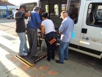 Centro de reabilitação entrega aparelhos auditivos em Barra do Garças