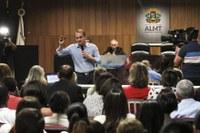 Discussão da escola ciclada em Barra supera expectativas e deputado quer formatar documento final