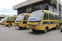 Ônibus de transporte escolar são entregues em Barra do Garças