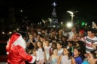 Papai Noel permanecerá na Praça da Matriz até sexta-feira (23)