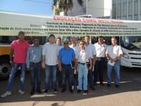 Prefeitura de Barra adquire três novos ônibus escolares e uma Van zero KM