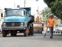 Prefeitura intensifica tapa-buraco em Barra do Garças