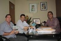 Deputado Valtenir Pereira apresenta novo coordenador da DSEI - Xavante