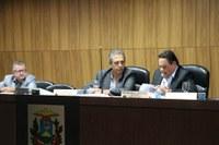 Câmara realiza 18ª sessão e vereadores aprovam LDO