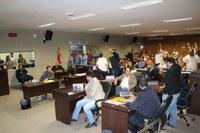 Câmara realiza última sessão e aprova LOA, contratação de servidores e aumento no IPTU
