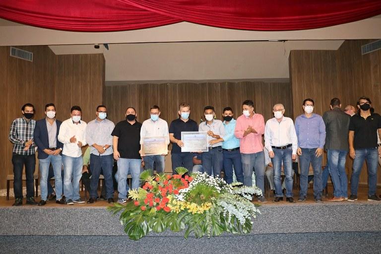 Governador visita Barra do Garças e recebe título de cidadão Barra-garcense