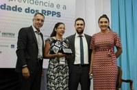 Projeto de servidora da Câmara conquista prêmio RPPSs do TCE