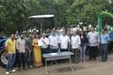 Secretaria de Indústria e Comércio entrega conjunto de equipamentos para Associação de Produtores Rurais do distrito de Vale dos Sonhos; Vereadores participam