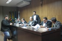 Sessão Extraordinária aprova um Projeto de Lei e uma Indicação