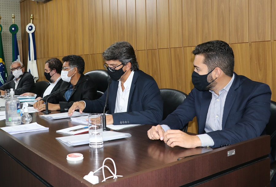 Vereadores se posicionam contra o decreto do Governo do Estado
