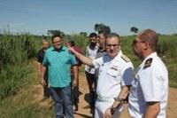 Vice-Almirante da Marinha conhece terreno para futuras instalações da Marinha do Brasil em Barra do Garças