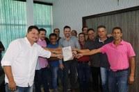 Vereadores participam de entrega de licença ambiental para a construção da avenida Deputado Evaristo Roberto Cruz (Beira Rio)